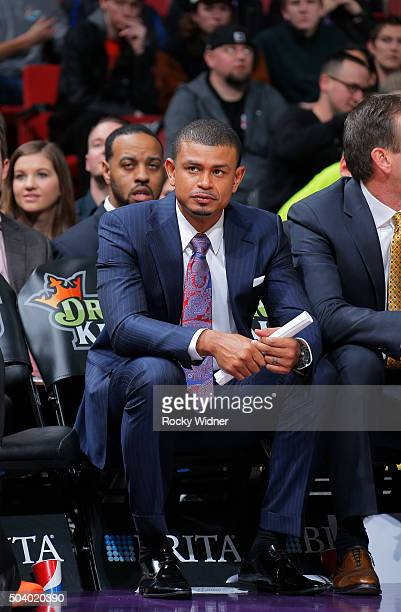 Assistant coach Earl Watson of the Phoenix Suns looks on during the game against the Sacramento Kings on January 2 2016 at Sleep Train Arena in...