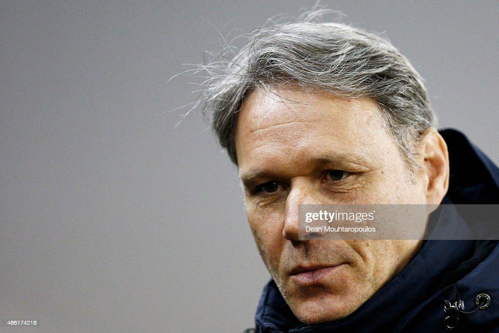 Assistant Coach Marco van Basten looks on prior to the Dutch Eredivisie match between Vitesse Arnhem and AZ Alkmaar held at Gelredome on March 13...