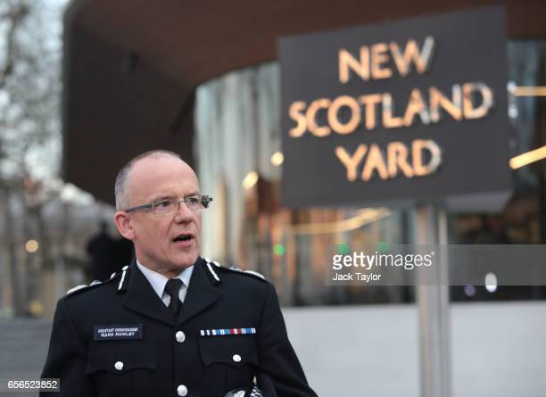 Assistant Commissioner Mark Rowley of the Metropolitan Police makes a statement outside of New Scotland Yard on March 22 2017 in London England A...