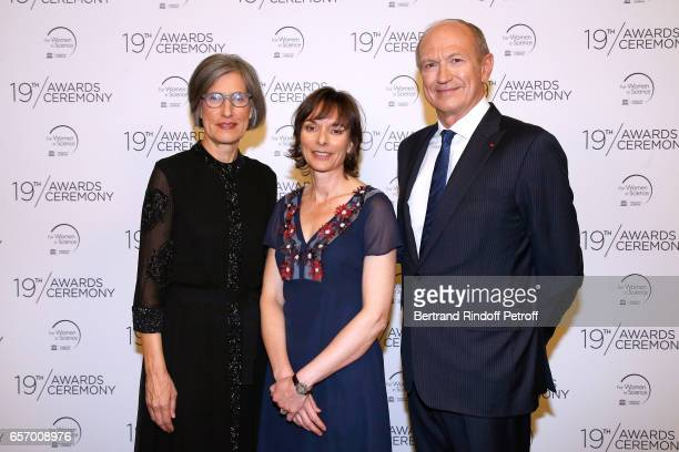 Assistant DirectorGeneral for Natural Sciences Doctor Flavia Schlegl Laureate for Europe Professor Nicola A Spaldin and Chairman Chief Executive...