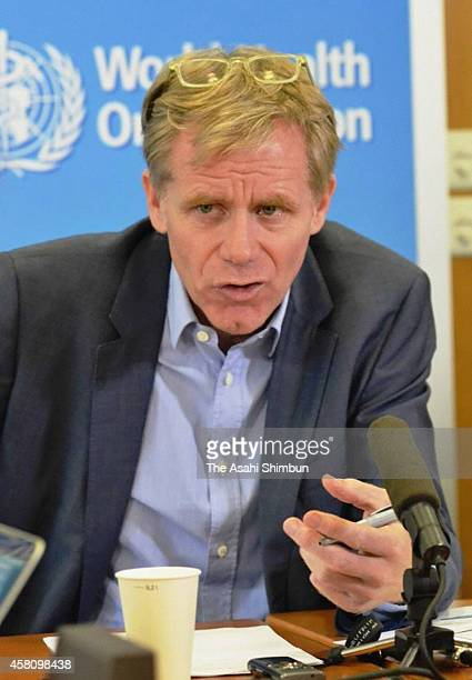 Assistant DirectorGeneral of World Health Organization Bruce Aylward speaks during a press conference at the WHO headquarters on October 29 2014 in...