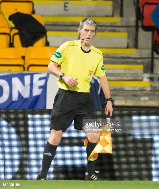 Assistant referee Ralph Gordon