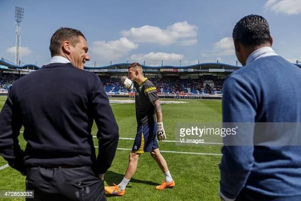 Assistant trainer Ekrem Kahya of ADO Den Haag Martin Hansen of ADO Den Haag Coach Henk Fraser of ADO during the Dutch Eredivisie match between Willem...