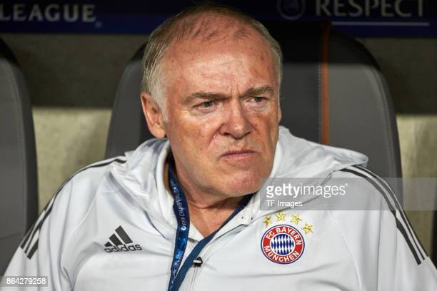 Assistent coach Hermann Gerland of Bayern Muenchen looks on during the UEFA Champions League group B match between Bayern Muenchen and Celtic FC at...