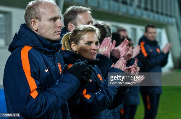 Assistent trainer Arjan Veurink of Holland Women Coach Sarina Wiegman of Holland Women during the World Cup Qualifier Women match between Slovakia v...