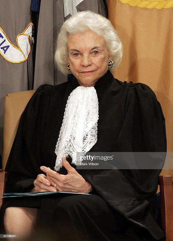 sandra day oconner Sandra day o'connor was born in el paso, texas, on august 26, 1930 her parents, harry and ida mae day, owned a cattle ranch in southeastern arizona called the lazy b in the beginning, the ranch did not have electricity or running water sandra grew up branding cattle, learning to fix whatever was.