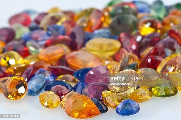 Assortiment de pierres de pierres précieuses de couleur