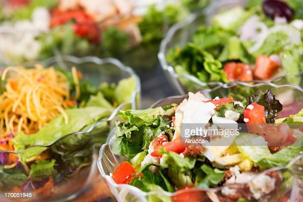 Assortiment de couleurs des salades de prime fraîcheur
