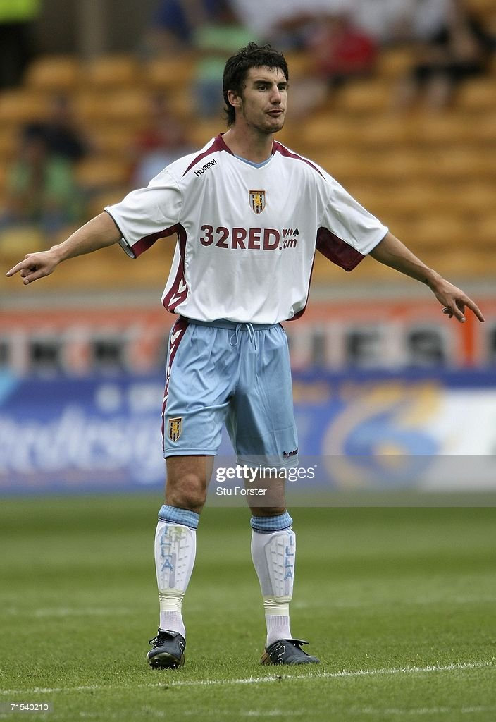 Aston Villa defender Liam Ridgewell organises the defence during the Pre-season friendly match between Wolverhampton Wanderers and Aston Villa at Molineux on July 29, 2006 in Wolverhampton, England.