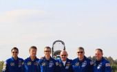 Astronaunts Greg Chamitoff European Space Agency Roberto Vittori Andrew Feustel Commander Mark Kelly Pilot Gregory H Johnson and Mission Specialists...