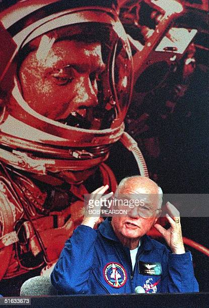 Astronaut and former Senator John Glenn describes the effects of weightlessness to the press 08 November at Kennedy Space Center FL during a...