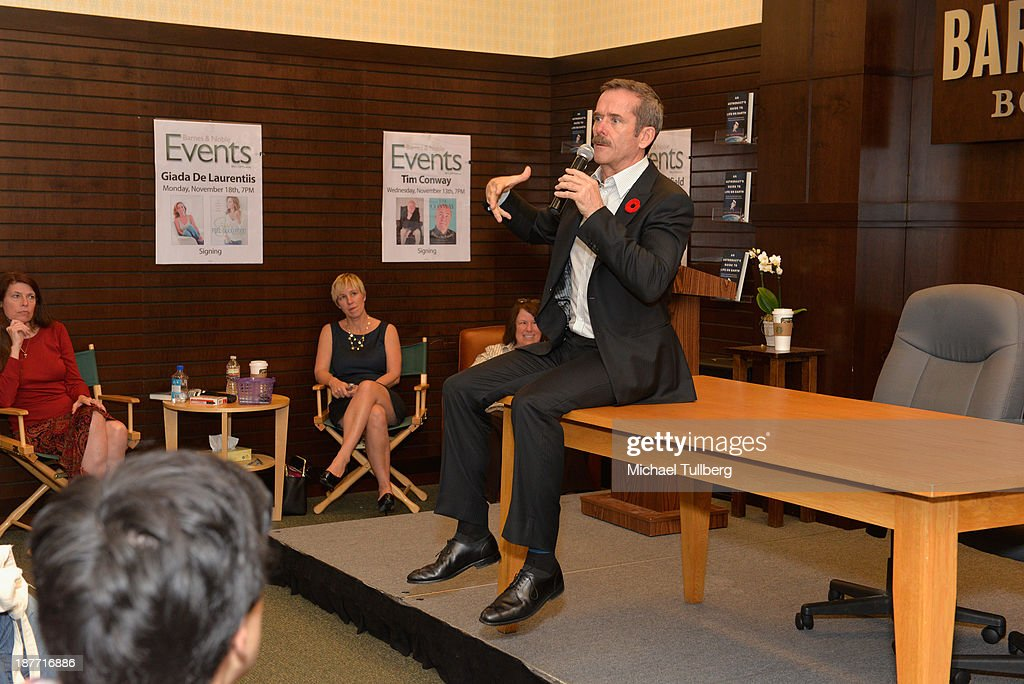 Astronaut Colonel <a gi-track='captionPersonalityLinkClicked' href=/galleries/search?phrase=Chris+Hadfield&family=editorial&specificpeople=2700911 ng-click='$event.stopPropagation()'>Chris Hadfield</a> appears at a signing for his book 'An Astronaut's Guide To Life On Earth' at Barnes & Noble bookstore at The Grove on November 11, 2013 in Los Angeles, California.