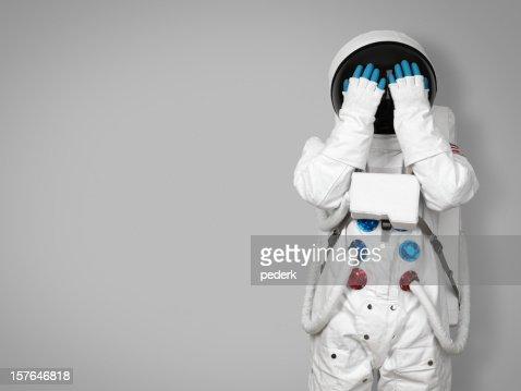 宇宙飛行士の顔を非表示にする