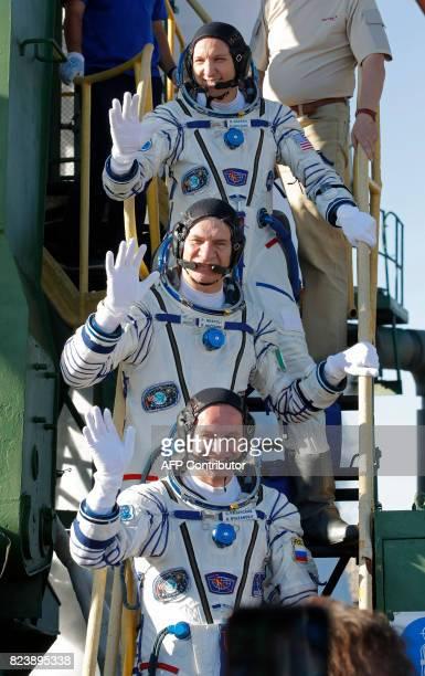 NASA astronaut Randy Bresnik ESA astronaut Paolo Nespoli and Russian cosmonaut commander Sergei Ryazansky members of the main crew of the 51/52...