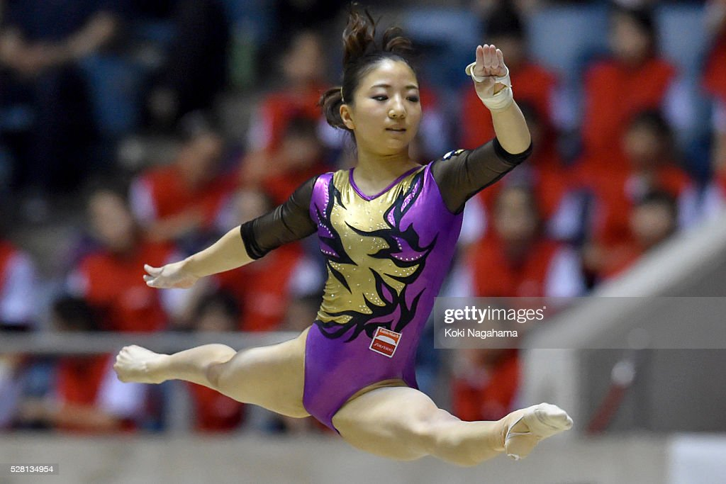 <a gi-track='captionPersonalityLinkClicked' href=/galleries/search?phrase=Asuka+Teramoto&family=editorial&specificpeople=7856851 ng-click='$event.stopPropagation()'>Asuka Teramoto</a> competes in the Floor Exercise during the Artistic Gymnastics NHK Trophy at Yoyogi National Gymnasium on May 4, 2016 in Tokyo, Japan.