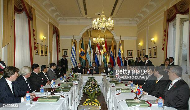 General view of the meeting between Paraguayan President Nicanor Duarte and Mercosur's Economy Ministers in Asuncion 22 May 2007 Foreign and economic...