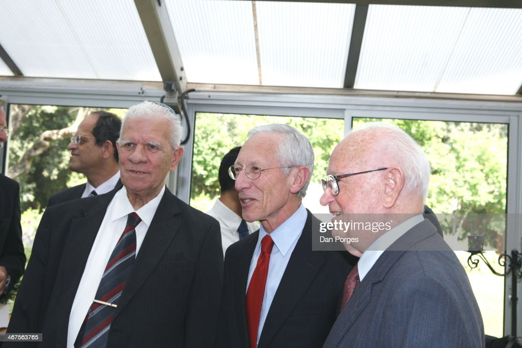 At a ceremony to re-nominate Professor <a gi-track='captionPersonalityLinkClicked' href=/galleries/search?phrase=Stanley+Fischer&family=editorial&specificpeople=233518 ng-click='$event.stopPropagation()'>Stanley Fischer</a> (center) to a second term as Governor of the Bank of Israel, he poses with former bank governors Dr Moshe Mandelbaum (left) and Dr Moshe Sanbar, Jerusalem, Israel, April 21, 2010.