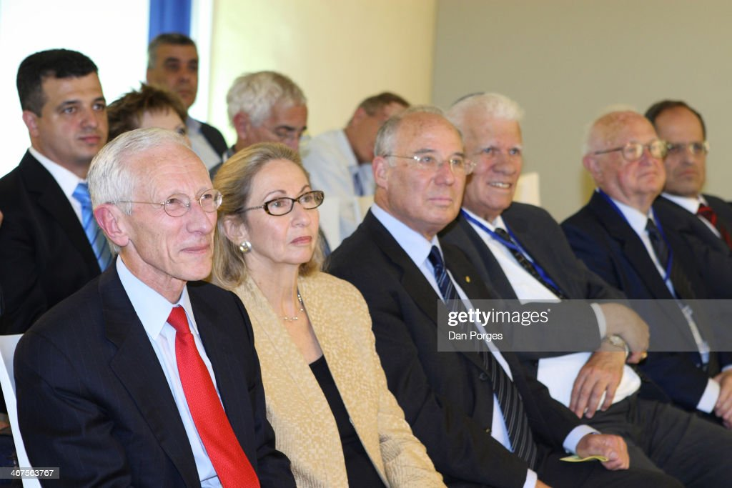 At a ceremony to re-nominate Professor <a gi-track='captionPersonalityLinkClicked' href=/galleries/search?phrase=Stanley+Fischer&family=editorial&specificpeople=233518 ng-click='$event.stopPropagation()'>Stanley Fischer</a> (left) to a second term as Governor of the Bank of Israel, he sits with, from second left, his wife Rhoda Fisher, and three former Governors of the Bank of Israel Professor Jacob Frenkel, Dr Moshe Mandelbaum, and Dr Moshe Sanbar, Jerusalem, Israel, April 21, 2010.