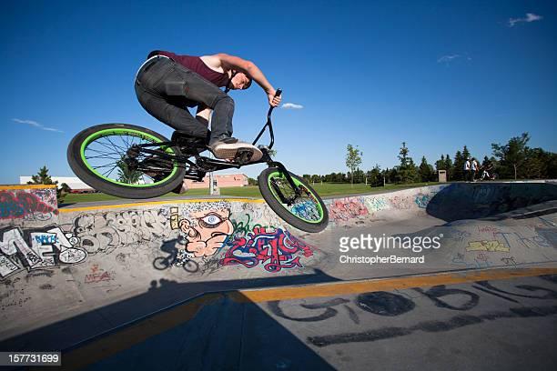 BMX sur le skate park
