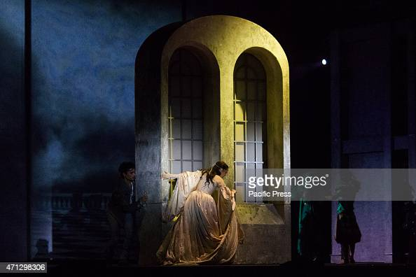"loves role in romeo and juliet Love and hatred in romeo and juliet see ""the balcony scene"" for more analysis romeo visits the capulet mansion at night while hiding in the garden, he sees juliet on a balcony and overhears her declare that she loves him."