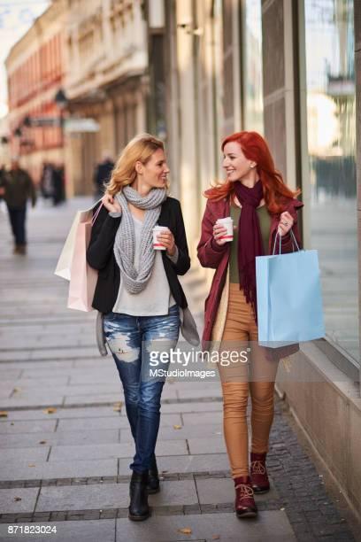 På shopping.