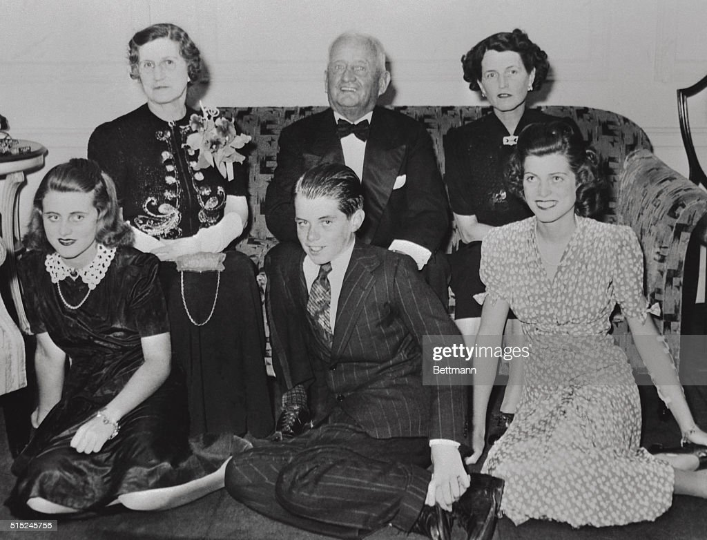 At the 50th wedding anniversary of the Fitzgeralds are left to right Mrs John F Fitzgerald John F Fitzgerald and their daughter Mrs Joseph P Kennedy...