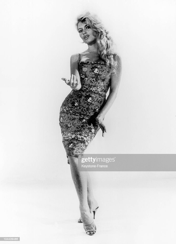 At the studios de la Victorine in Nice the French actress Brigitte BARDOT during the shooting of the film VOULEZVOUS DANSER AVEC MOI produced by...