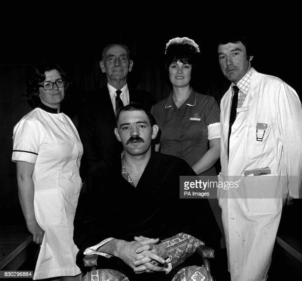 At the University Hosptial of Wales Cardiff Welsh rugby star Mervyn Davies with the medical team who cared for him senior Physiotherapist Margaret...