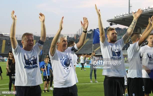 Atalanta BC coach Gian Piero Gasperini celebrates the qualification at UEFA Europa League 2017/18 at the end of the Serie A match between Atalanta BC...