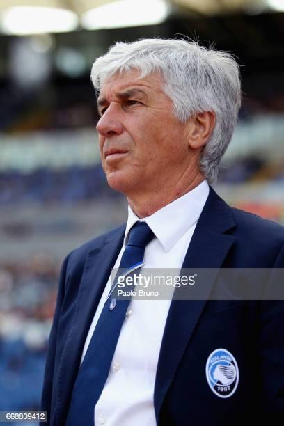 Atalanta BC head coach Gian Piero Gasperini looks on during the Serie A match between AS Roma and Atalanta BC at Stadio Olimpico on April 15 2017 in...