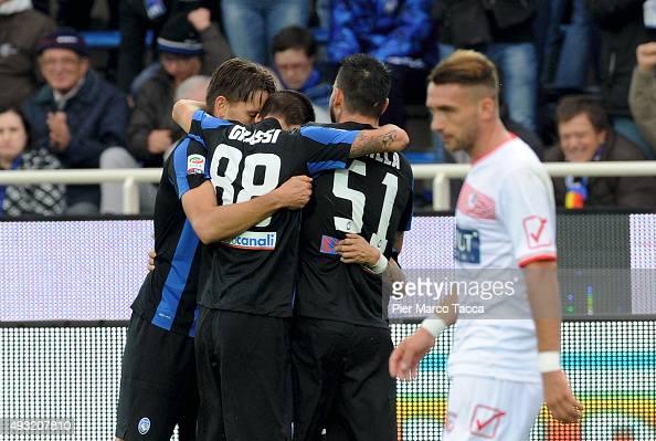 Atalanta BC team players celebrates the second goal of Alejandro Gomez during the Serie A match between Atalanta BC and Carpi FC at Stadio Atleti...
