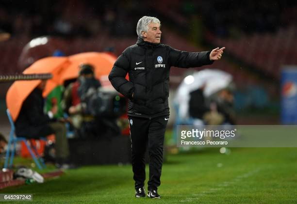 Atalantas coach Giampiero Gasperini gestures during the Serie A match between SSC Napoli and Atalanta BC at Stadio San Paolo on February 25 2017 in...