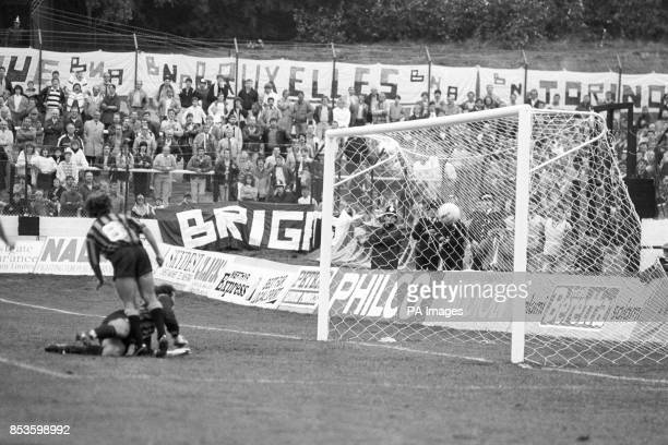 Atalanta's Icardi and goalkeeper Ottorino Pictti fail to stop Kevin Rogers' 34th minute goal for Merthyr Tydfil during the European Cup Winners' Cup...