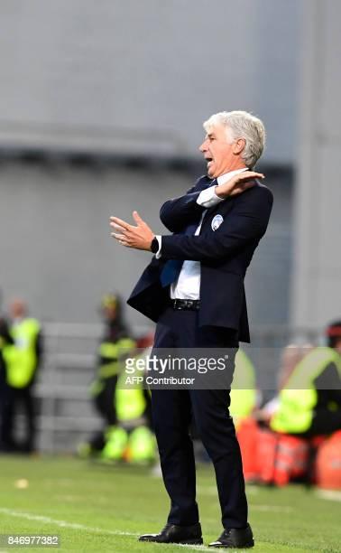 Atalanta's Italian coach GianPiero Gasperini gestures from the touchline during the UEFA Europa League Group E football match Atalanta vs Everton at...