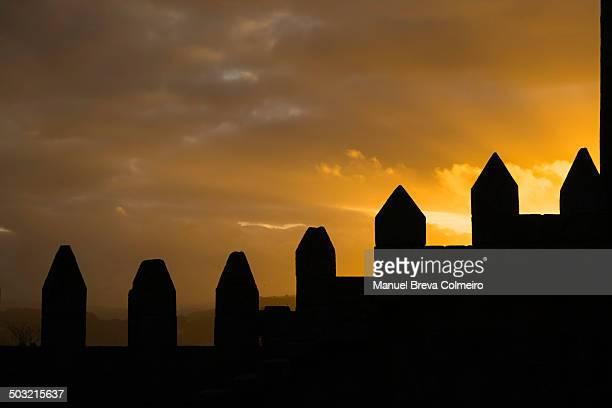 CONTENT] Atandecer en el castillo de Guimaraes Portugal