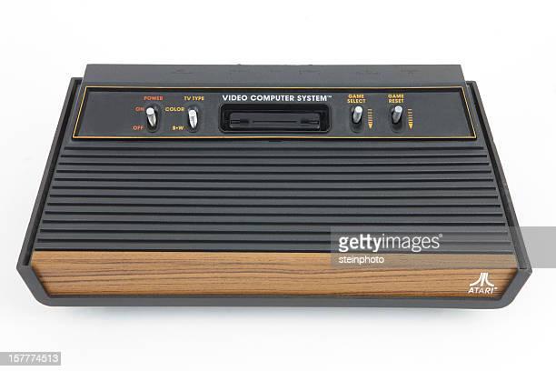 アタリ 2600 ヴィンテージのビデオゲームコンソール
