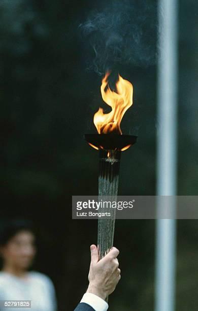 Athen 2004 Olympia Austragungsort der ersten Olympischen Spiele 776 v Chr G Kultstaette Fackelentzuendung im Hain von Olympia