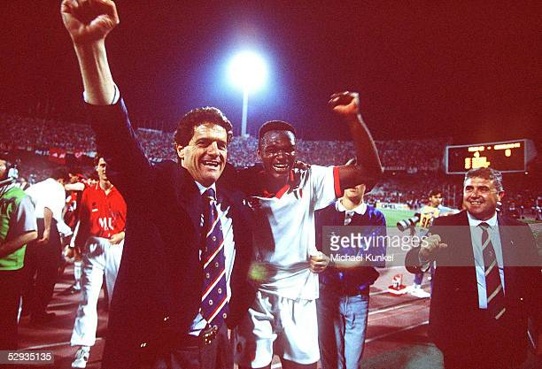 LEAGUE 93/94 FINALE 1994 Athen AC MAILAND FC BARCELONA 40 JUBEL TRAINER Fabio CAPELLO Marcel DESAILLY/MAILAND