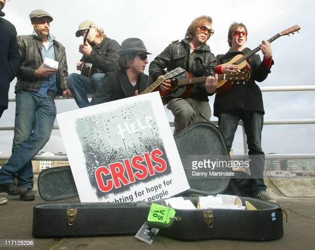 Athlete Carl Barat and Supergrass during Crisis Celebrity Busk November 15 2006 at South Bank in London Great Britain