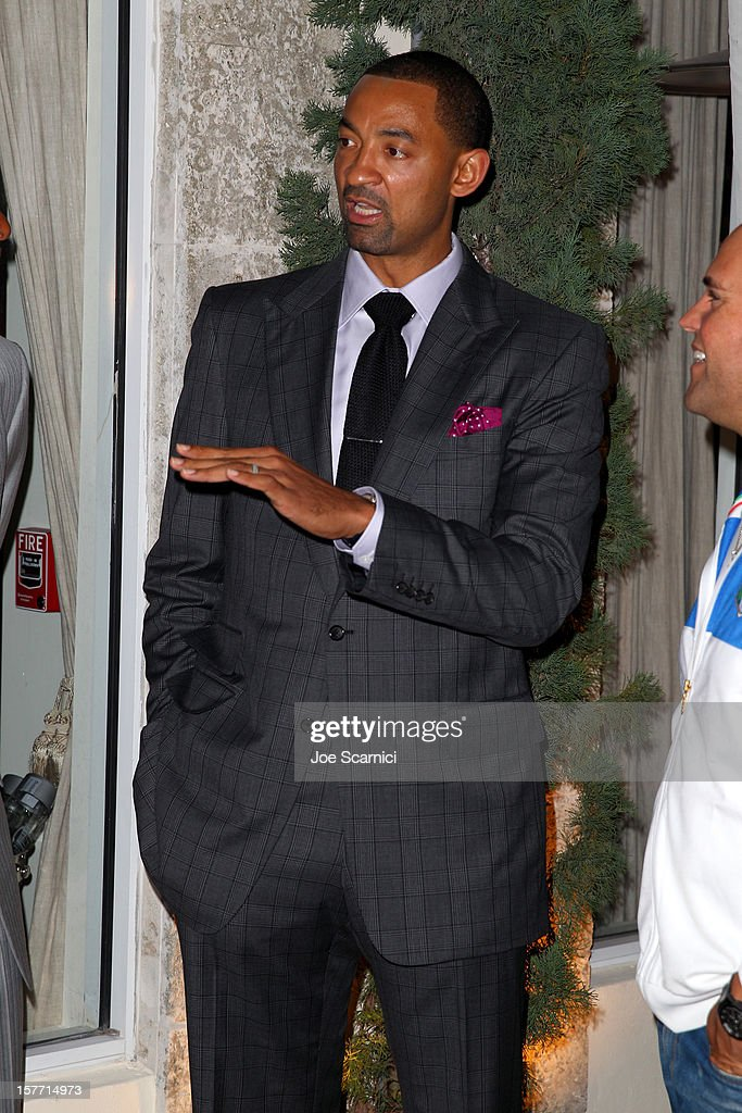 Athlete Juwan Howard attends the Haute Living and Roger Dubuis dinner hosted by Daphne Guinness at Azur on December 5, 2012 in Miami Beach, Florida.