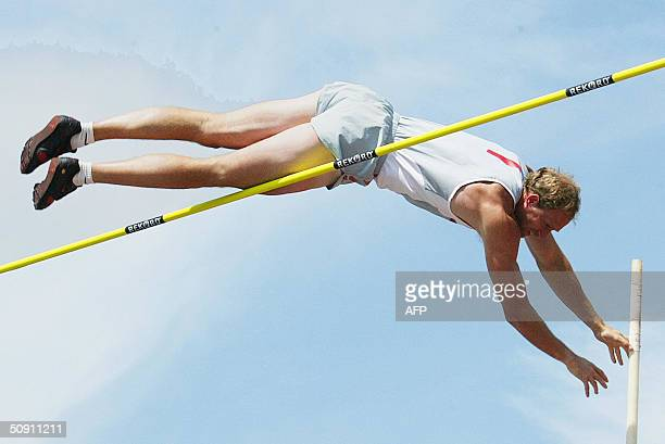 US athlete Tom Pappas in action to reach 520 meters in the pole vault and thus overtaking Czech Roman Sebrle in the pole vault event at the Men's...