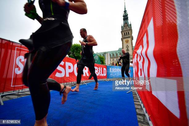 Athletes compete in the Olympic distance at Hamburg Wasser ITU World Triathlon Championships 2017 on July 16 2017 in Hamburg Germany