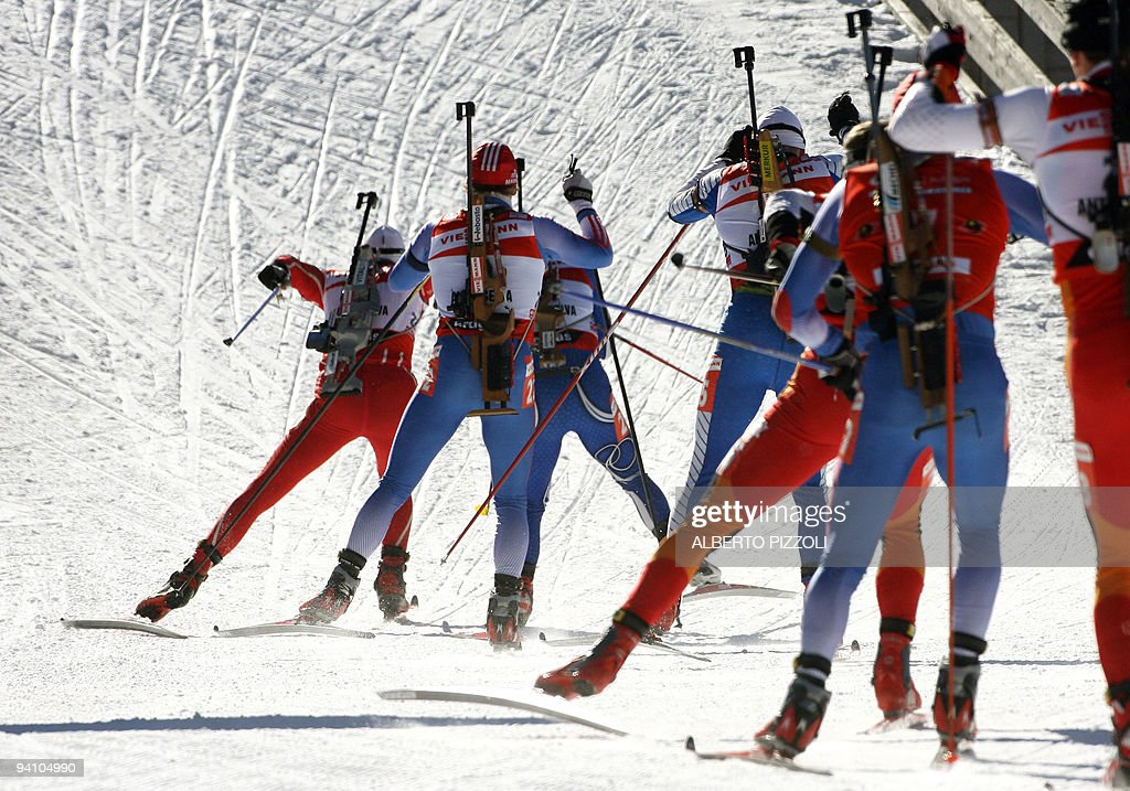 Athletes competes in the men's 12,5 km pursuit race of the biathlon World Championship in Anterselva, 04 February 2007. Norway's Ole Einar Bjoerndalen won the race ahead of Russian Maxim Tchoudov and French Vincent Defrasne.