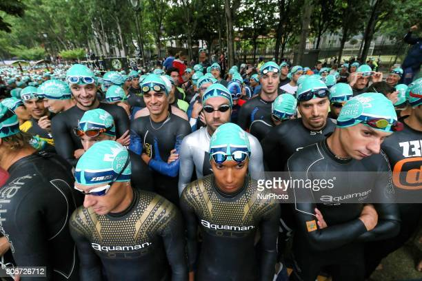 Athletes wait for the swim section of the 2017 edition of the Paris triathlon on July 2 2017 in Paris An unprecedented course located amidst the most...