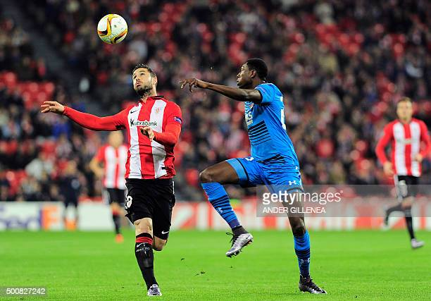 Athletic Bilbao's forward Kike Sola vies with Alkmaar's defender Derrick Luckassen during the UEFA Europa League football match Athletic Club Bilbao...