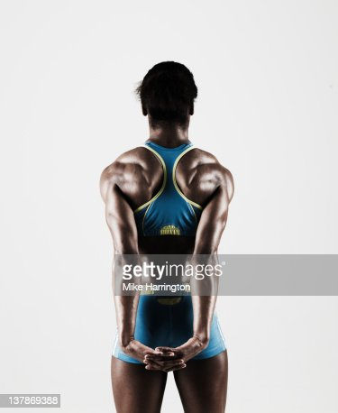 Athletic Black Female Showing Muscular Back : Foto de stock