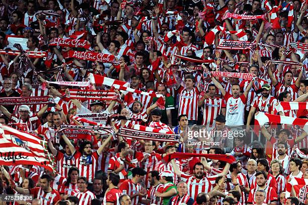 Athletic Club de Bilbao fans cheer on their team prior to the Copa del Rey Final match between FC Barcelona and Athletic Club at Camp Nou on May 30...
