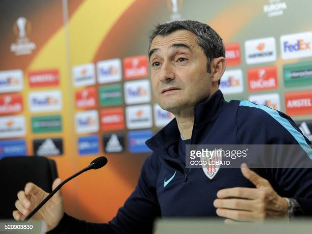 Athletic's coach Ernesto Valverde gives a press conference at the Sanchez Pizjuan Stadium in Sevilla on April 13 2016 on the eve of the UEFA Europa...