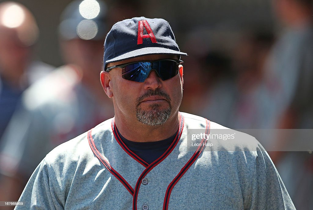 Atlanta Braves manager Fredi Gonzalez #33 watches the action during the sixth inning of the game against the Detroit Tigers at Comerica Park on April 27, 2013 in Detroit, Michigan. The Tigers defeated the Braves 7-4.