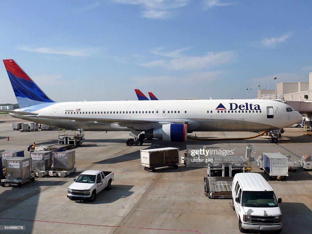 Delta Air Lines Boeing B767 at HartsfieldJackson International Airport